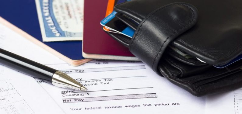 things you need to get a personal auto quote - personal documents and wallet